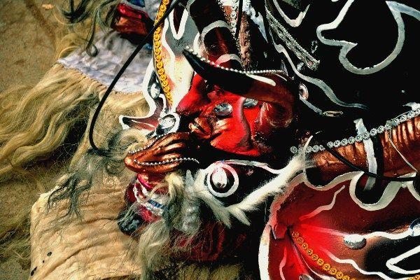 המפגש בין פולחן השטן לקרנבל יצר אינטראקציה תרבותית מעניינת (צילום: Vincent Ader)