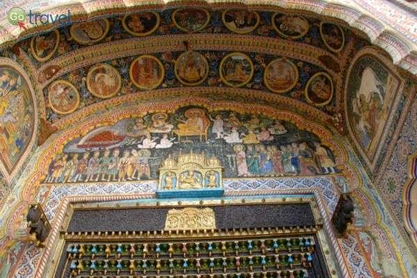 ציורי קיר שלא היו מביישים קתדרלה אירופאית (צילום: רמי דברת)