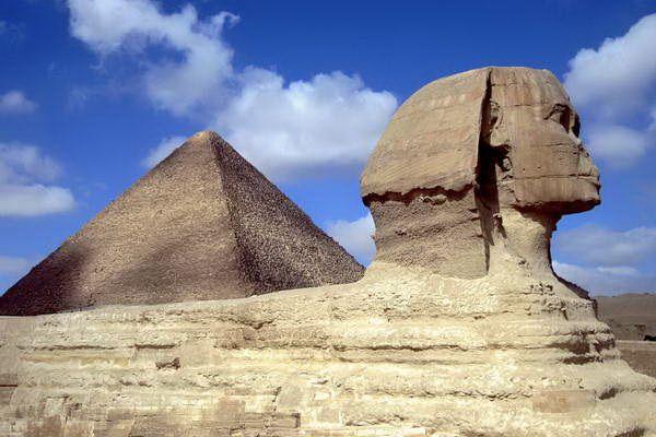 הספינקס והפירמידה הגדולה של גיזה  (צילום: David Stanley)