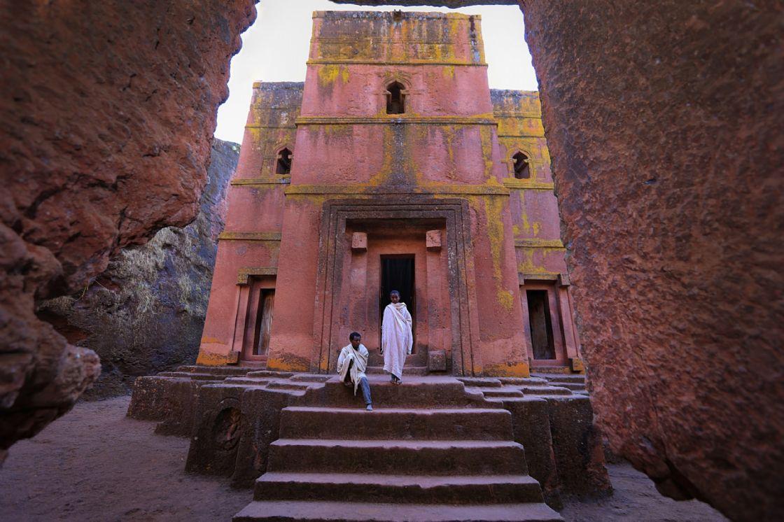 כנסייה חצובה בעיר לליבלה (צילום: Mulugeta Wolde)