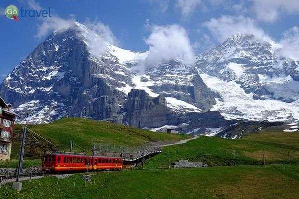 הרכבת לפסגת יונגפאו-יוך בשוויץ - 3,454 מ'  (צילום: rockyeda)