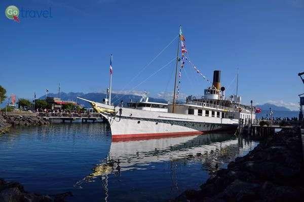 ספינה יוצאת מנמל מונטרה   (צילום: כרמית וייס)