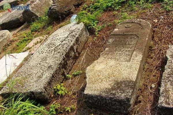 בית קברות יהודי בעיר יאשי  (צילום: TLVshac)