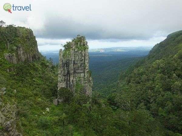 אבן הצריח ונוף מרהיב (צילום: נעמה מורג)