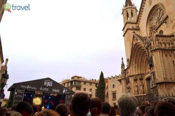 שילוב בין מודרני לקלאסי - פסטיבל היין והג'אז  (צילום: Angela Llop)