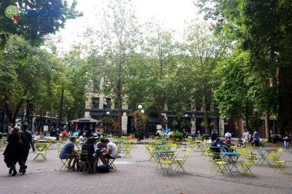 קפה בכיכר אוסידנטל (צילום: נטע קלימי עילם)