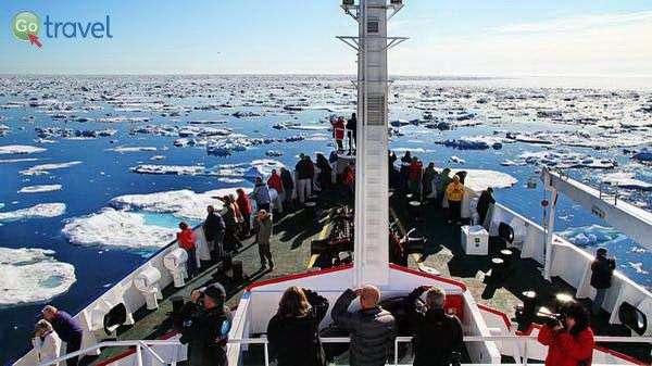 הפלגה לקוטב הצפוני  (צילום: מולה יפה)