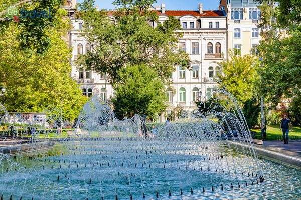 מזרקות בגן העירוני  (צילום: Ava Babili)