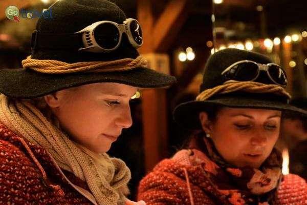 לבוש מסורתי בכפר חג המולד  (צילום: כרמית וייס)