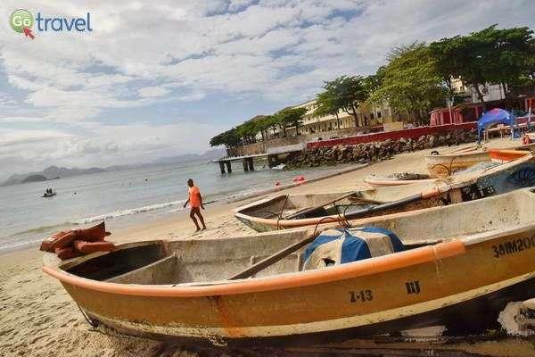 סירות דייגים על חוף קופקבנה  (צילום: כרמית וייס)