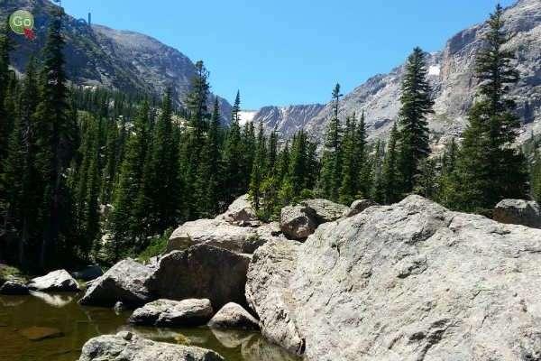 אגם הא-יאהא, למרגלות הרי הרוקי (צילום: נטע קלימי)