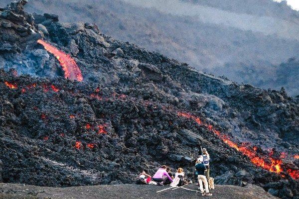 הטיפוס על הר הגעש פקאיה לא קל אך שווה את המאמץ (צילום: Dimitry B)