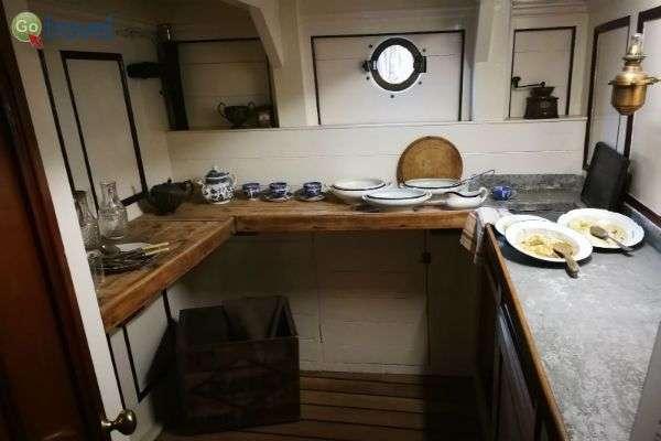 מוזיאון הספינה מראה כיצד חיו והתקיימו יורדי הים... (צילום: ירדן)
