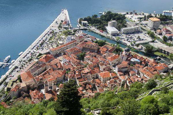 גגות העיר קוטור  (צילום: Robin Dawes)