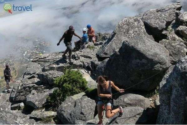 מטפסים במעלה ההר (צילום: רונית הרשקוביץ)