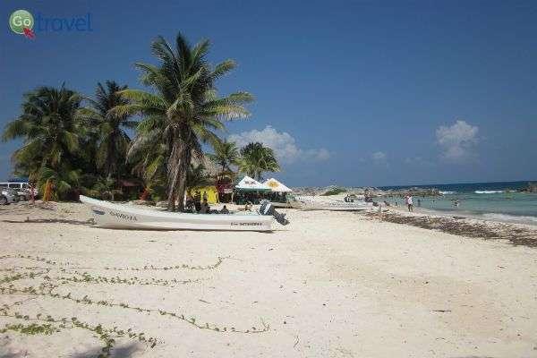"""ביוקטן חופים נהדרים לשילוב קצת """"בטן-גב"""" בחופשה (צילום: lauranazimiec)"""