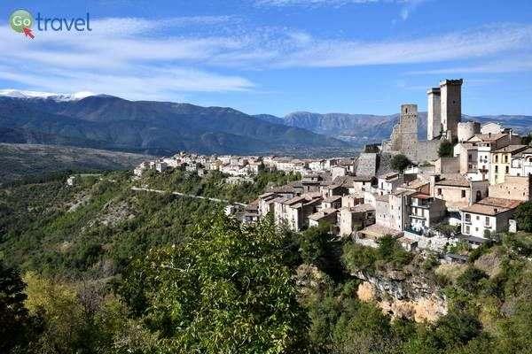 מבט על הכפר פצ'נטרו   (צילום: הילה וייס טישלר)