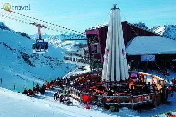 מסעדת הרים והגונדולה המסתובבת (באדיבות: Engelberg-Titlis)