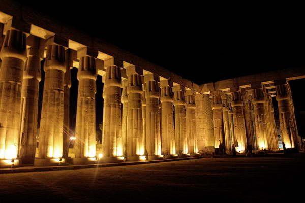 מקדש לוקסור (צילום: Elena Pleskevich)