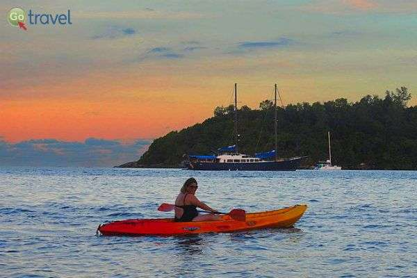 הספורטיביים שבינינו גם יצאו להפליג בקיאק (צילום: אמיר גור)