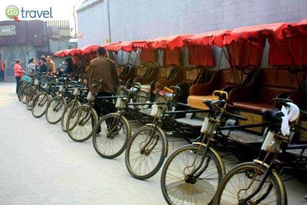 אמצעי התחבורה משתנים לפי אופי העיר ומסורתה... (צילום: יובל נעמן)