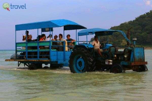פתרונות יצירתיים להעברת התיירים בשעות השפל (צילום: נורית פרח)
