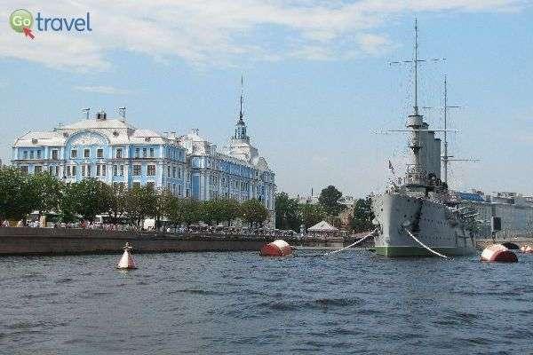 """ספינת הקרב """"אורורה""""  (צילום: דניאל גולדנברג)"""