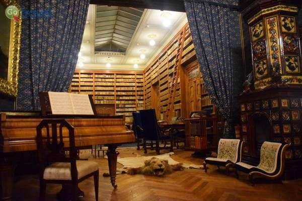 הספרייה באחוזת באטלייר  (צילום: כרמית וייס)