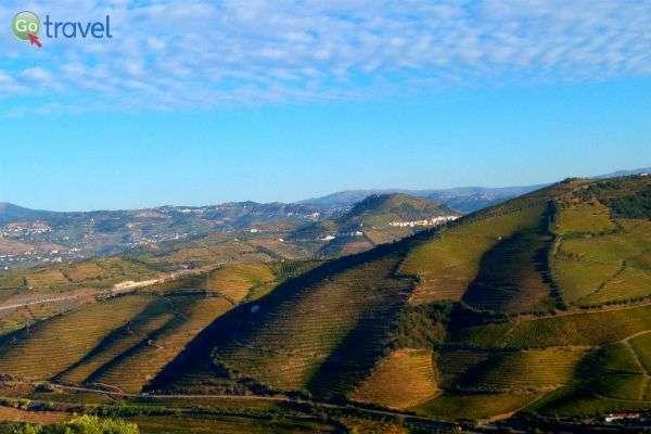 נופים בדרך אל העמק (צילום: ירדן גור)