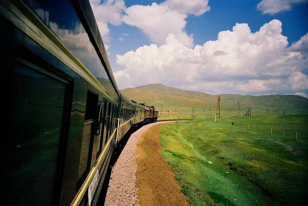 הרכבת הטרנס-סיבירית חוצה את הנופים המופלאים  (צילום: Boccaccio)