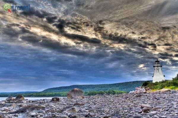 מגדלור באזור פורט רויאל  (צילום: Jordan Crowe)