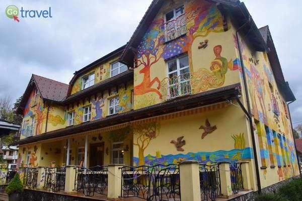 מסעדה ופנסיון בעיירת הספא ראיצקה טפליצה  (צילם: כרמית וייס)