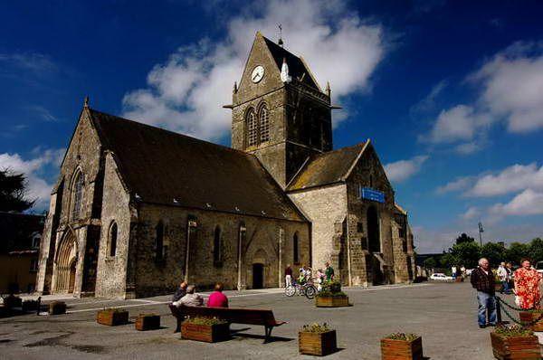 כנסייה בעיירה סן מרי אגליס  (צילום: Elvin)