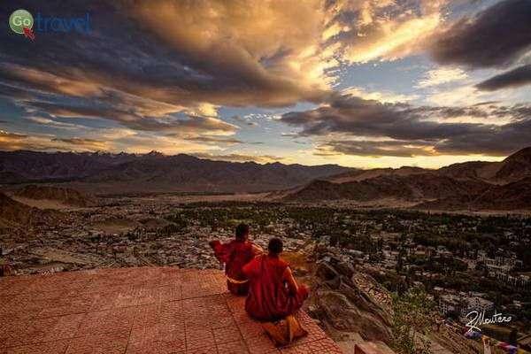 העיר לה בצפון הודו - 3,500 מ'  (צילום: Riccardo Maria Mantero)