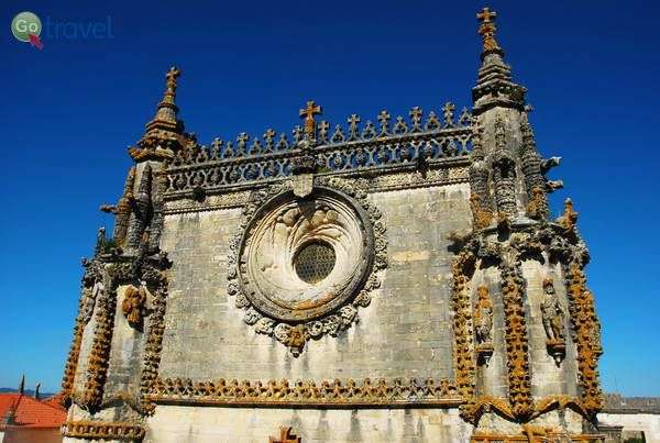 עיטורים בסגנון מנואליני במנזר של טומאר  (צילום: כרמית וייס)