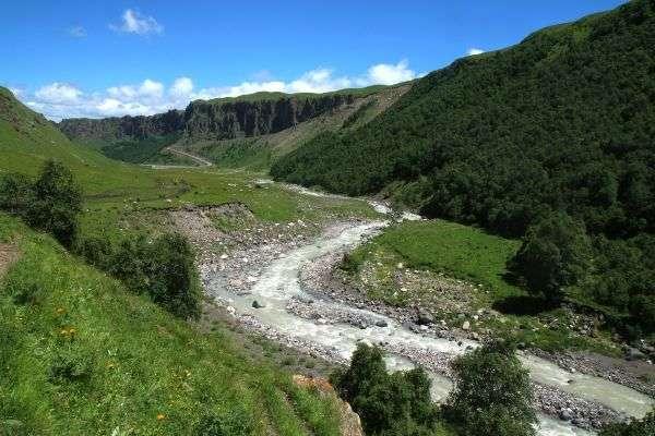 הנחלים חפרו את דרכם בוואדיות (צילום: גילי חסקין)