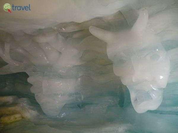 מערת הקרח בקרחון מעל בסאס-פה  (צילום: כרמית וייס)