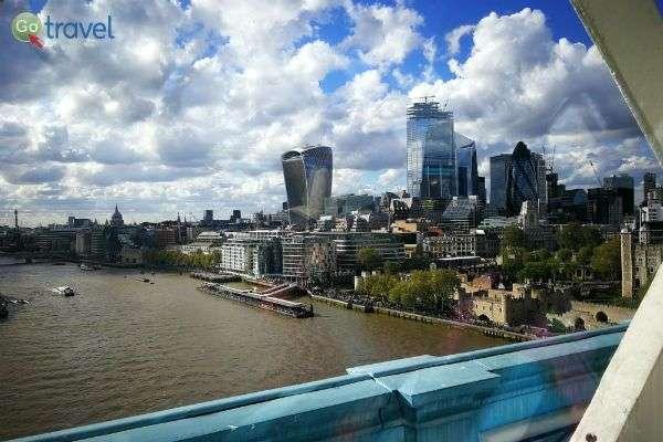 מבט על לונדון מהגשר המפורסם (צילום: ירדן גור)