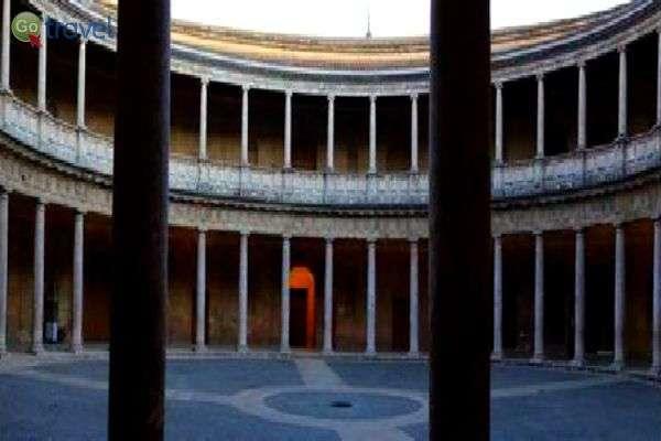 ארמון קרל ה- 5, בן המאה ה- 16 (צילום: אמיר גור)