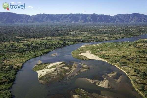 נהר הזמבזי ממבט הציפור (צילום: Wilderness Safaris)