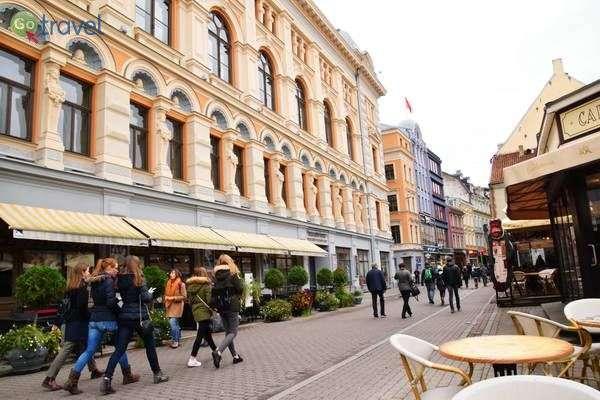 הרחוב המרכזי בעיר העתיקה   (צילום: כרמית וייס)