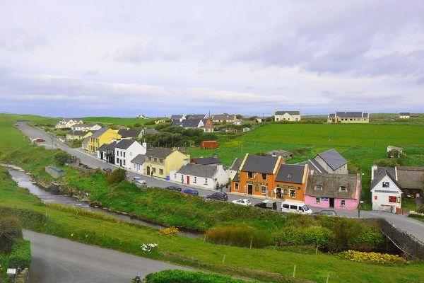 העיירה דולין הסמוכה (צילום: Sea View House Doolin)