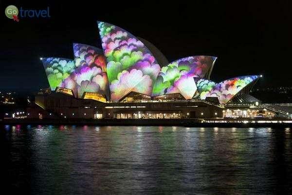 בית האופרה הפוטוגני לא פחות...  (צילום: Steve Collis)