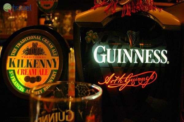 האירים שותים בירה בכל מצב ובכל מזג אוויר (צילום: [puamelia])