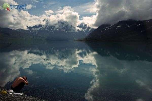 פיסת אלוהים - האגם ביום יפה (צילום: עופר גלמונד)