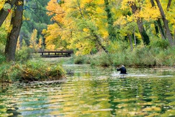 פעילויות מים בנהר הרגוע (צילום: Turismo Castilla-La Mancha)