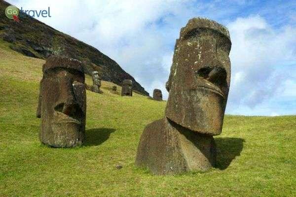 ראשי הענק באי פסחא (צילום: גילי חסקין)