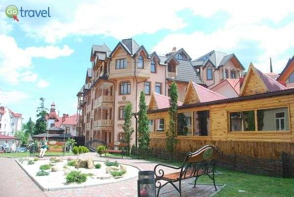 בתים אופיניים בעיירה טרוסקבייץ  (צילום: כרמית וייס)