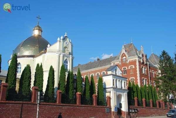 כנסייה בדרוהוביץ'   (צילום: כרמית וייס)