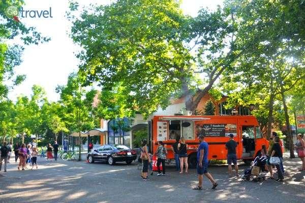 אוכל רחוב בסיאטל באחד מהפארקים הרבים (צילום: נטע קלימי עילם)